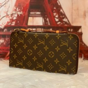 Authentic Louis Vuitton Zippy Travel Organizer